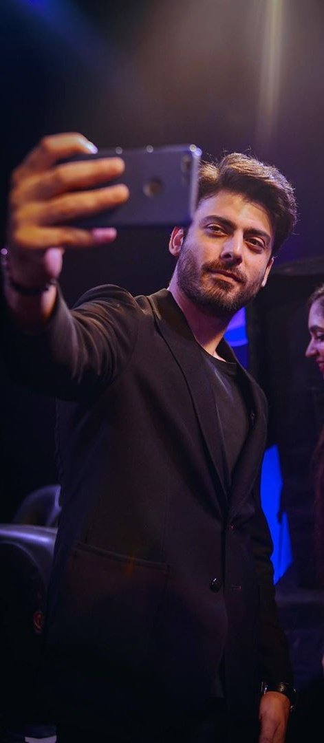 Unseen pictures of #FawadKhan from pepsico event. (2)
