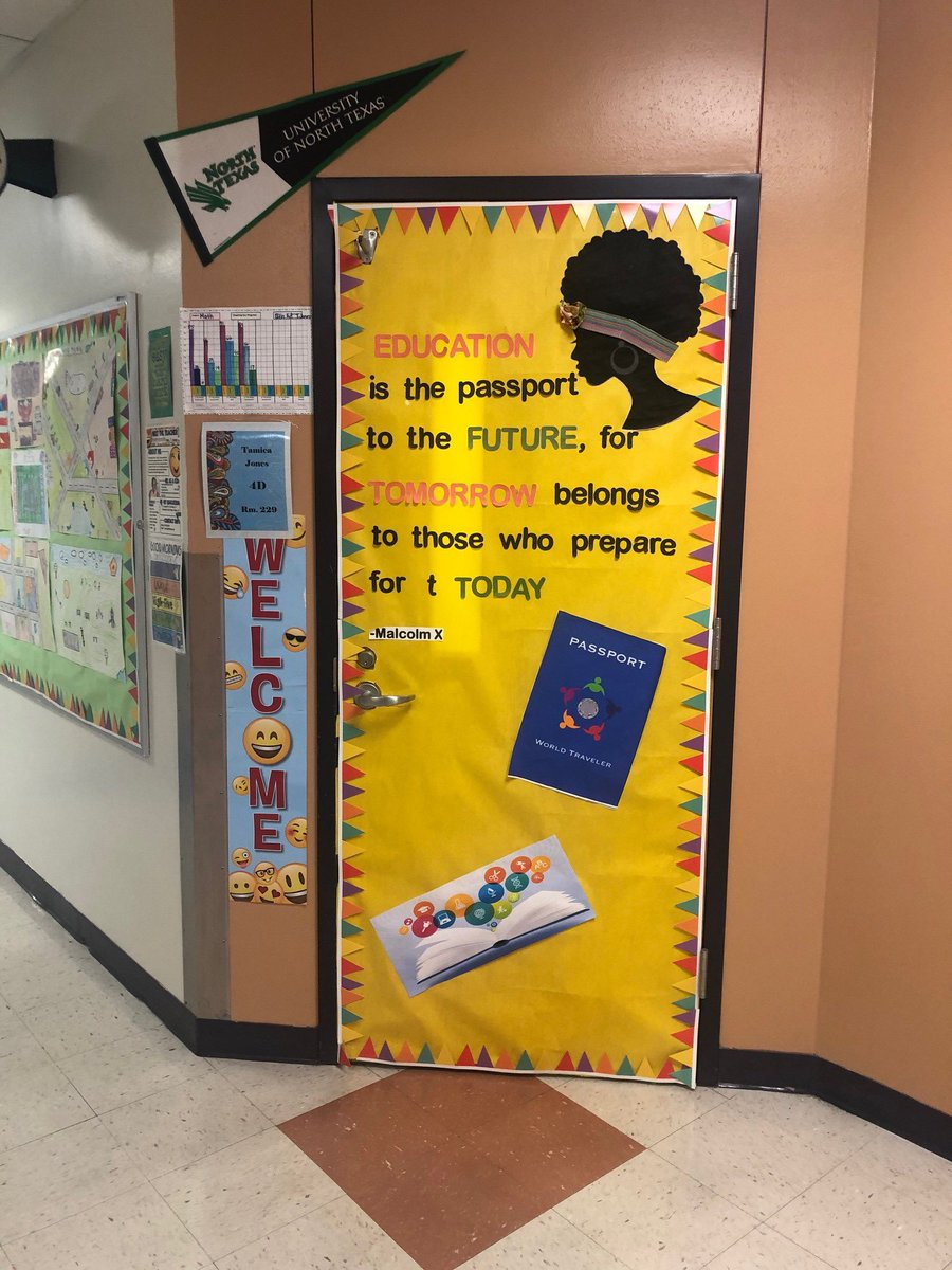 Arcadia Park's 1st place winner of our Read Across America door contest. @DISD_Libraries @dallaslibrary