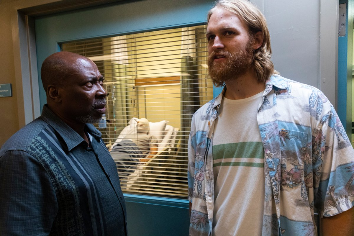 In today's edition of the @Lodge49 Rewatch, @JohnEBetancourt examines how 'Apogee' reminds us that setbacks can and will happen on the road to recovery! #Lodge49 #Lodge49Forever #DrynxWithLynx