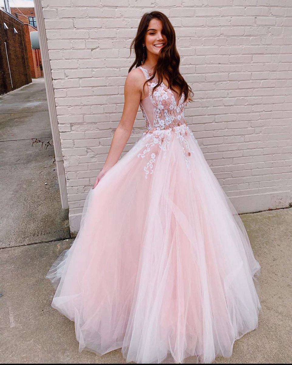 Ball gown central 🌸 #JOVANI #61109 #Prom2020  https://t.co/jzagQjlLAi https://t.co/OCkDnwO8bn