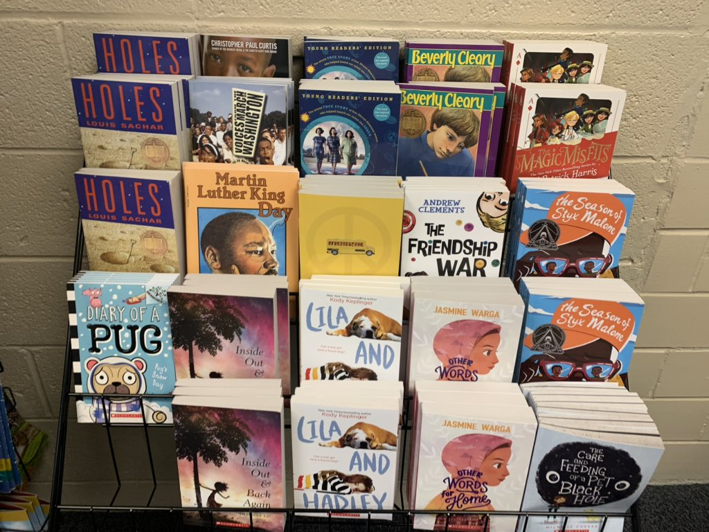 Added some more book sets to our book room today for use in book clubs and lit circles #dgsroyals #323learns https://t.co/aLdeZtbRbn
