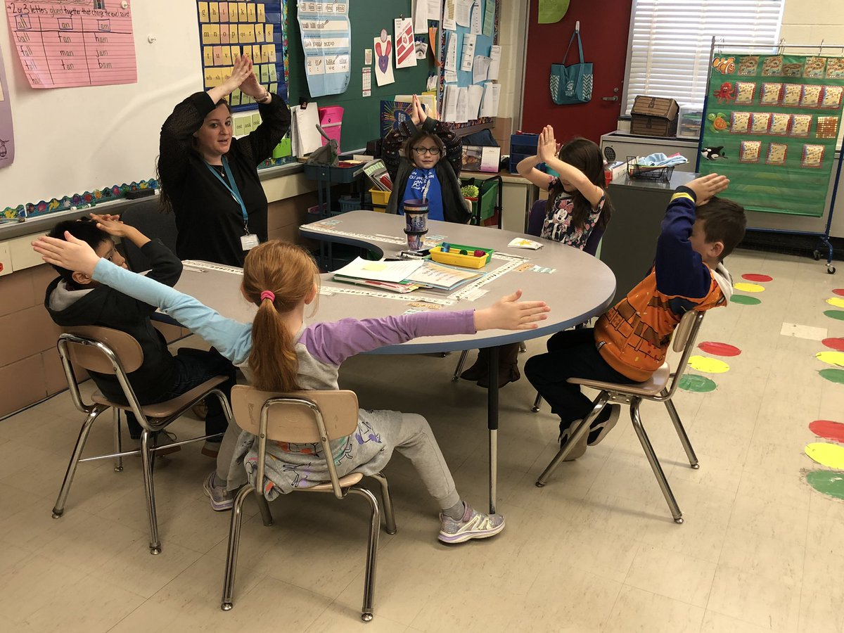 Mrs. Bihy makes reading words with glued sounds so much fun! @RedHouseRun @BCPS_ELA
