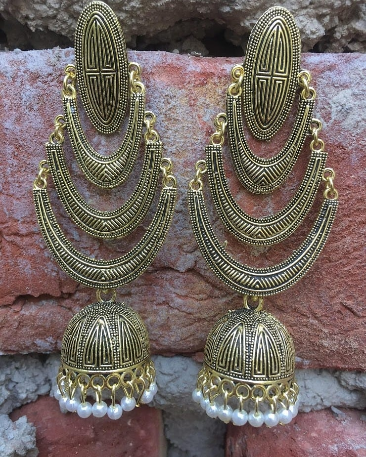 Sold these beauties..  #jhumkas #earrings #oxidisedjewellery #jewellery #jewelry #indianjewellery #jhumkalove #jhumka #imitationjewellery #jhumkaswag #templejewellery #germansilver #indianjewelry #earings #jhumkilove #germansilverjewellery #accessories #chandbali #bangles #bhfyppic.twitter.com/hxLILofA1j