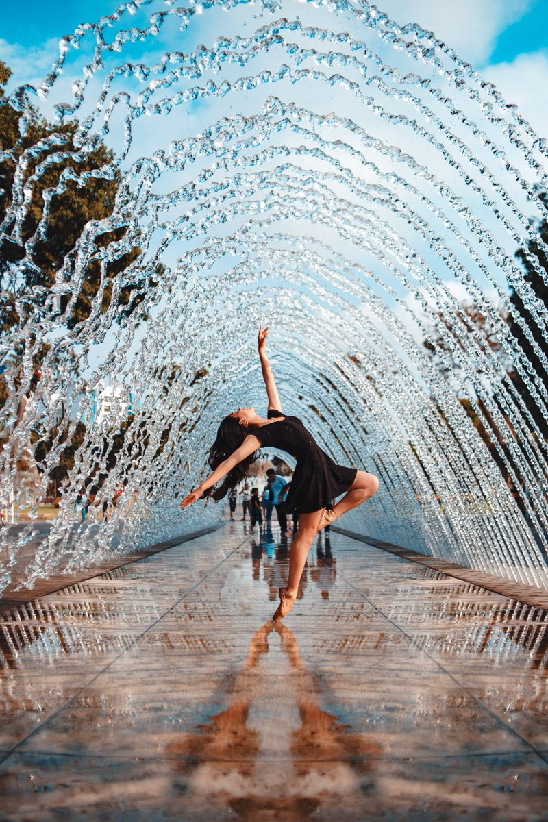 """""""The dance can reveal everything mysterious that is hidden in music, and it has the additional merit of being human and palpable. Dancing is poetry with arms and legs.""""  - C. Baudelaire  Ph JoelValve   #lazydancertips #lazydancerstudio #adultballetgang #hardwork #balletfitnesspic.twitter.com/X7oRbBpeJv"""