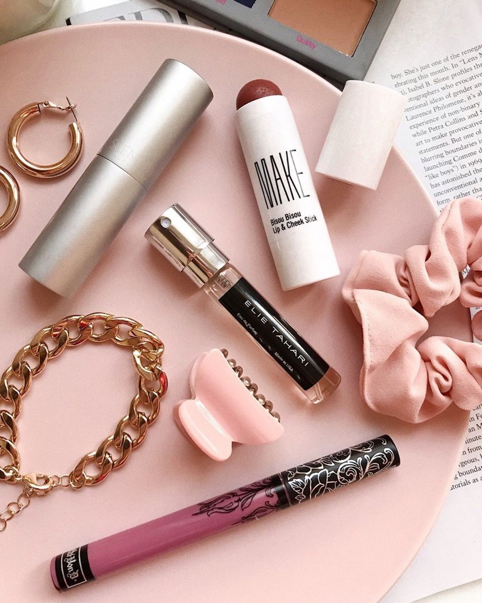 The essential you'll need at the end of your routine. What's your fave fragrance today? Comment below. #Scentbird https://t.co/v24rb7Qxrg