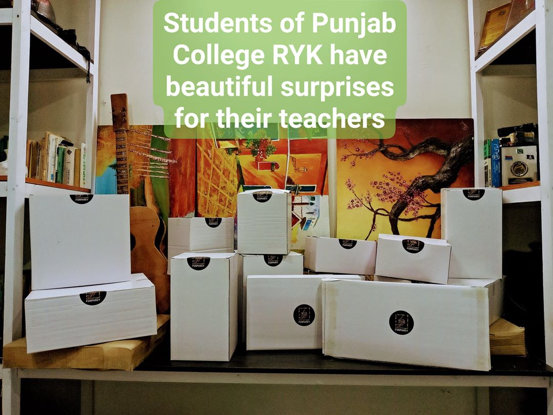 #Teachers of #PunjabCollege #RahimYarKhan , Your Students Love you a Lot.  There are some beautiful surprises coming your way  #Funparey #WoodenHandicrafts #Pakistan #MadeinPakistan #Handicrafts #WoodWorking #Handmade.pic.twitter.com/XOotff3RE4