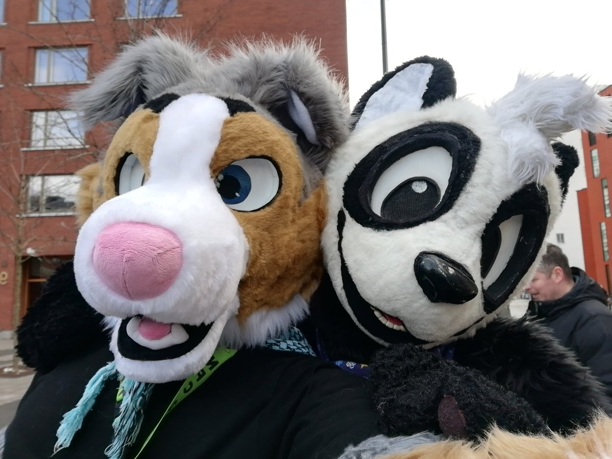 Fursuit selfies! With @panda_paco @HroarDog @greeny_woof @vectorwuff & @Shaka_Snow  @NordicFuzzCon #FursuitFriday<br>http://pic.twitter.com/RrOiSEoXYp