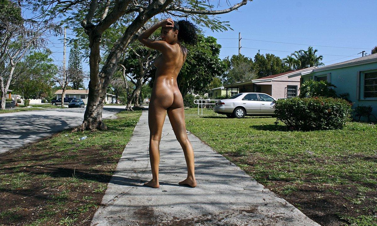 Naked scottish females