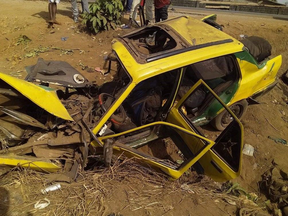 Dubréka: un accident de la circulation fait quatremorts guineenews.org/dubreka-un-acc…