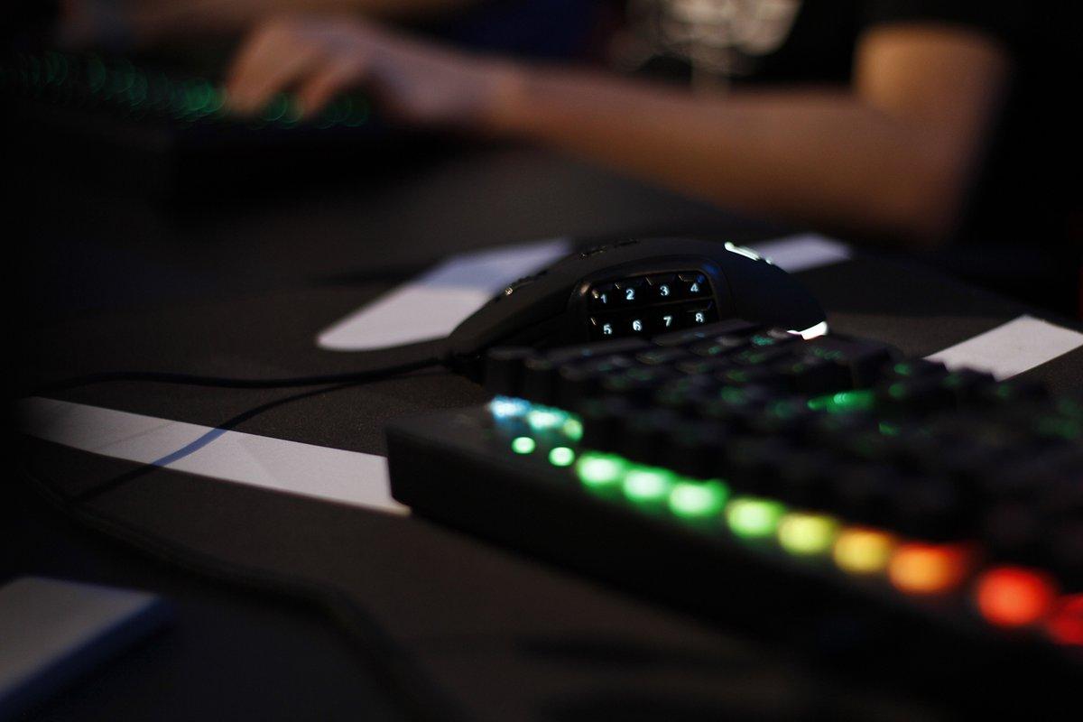 💜BAJAMOS LOS PRECIOS💜 Hazte con los periféricos necesarios para jugar a nivel experto. Pack expert: Ratón, teclado y alfombrilla  ̶7̶9̶,̶7̶0̶€̶   67,99€ https://t.co/sAW1unISjd https://t.co/PuF1hNWIIi
