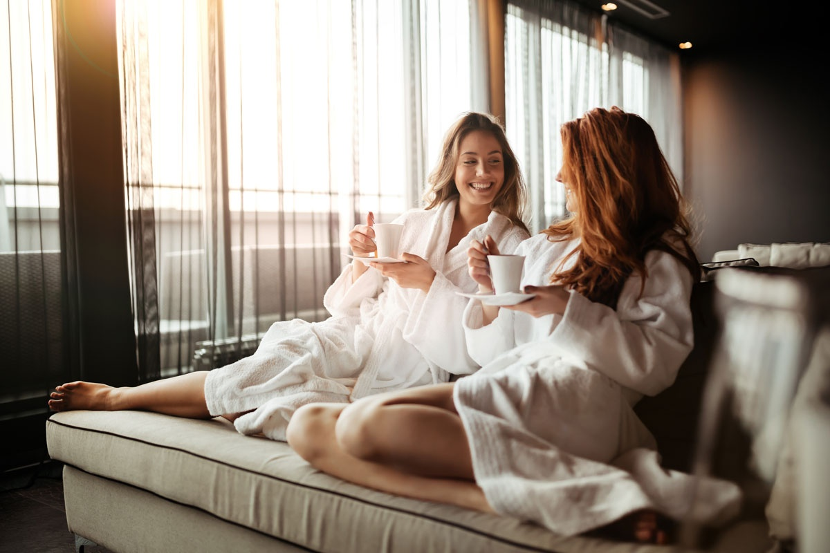Show the ladies in your life just how much they mean to you this Mothers Day with the perfect treat! You can purchase vouchers to use in our spa or on treatments here orlo.uk/Zrc4e 💞