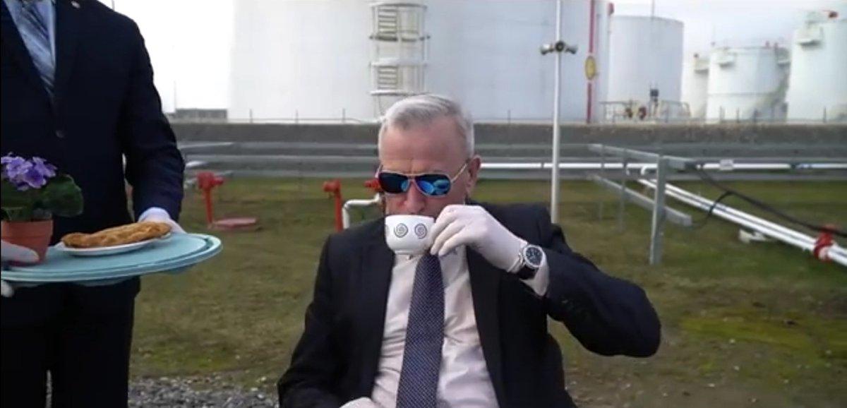 Беглов установил неподъемную для Петербурга планку дохода в триллион рублей