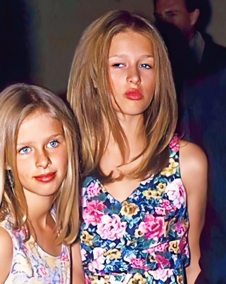 "The most beautiful sisters in the world @ParisHilton, @NickyHilton : ""#TeenParis ⚡️ A #Mood ⚡️ #FBF "" / Twitter  LA"