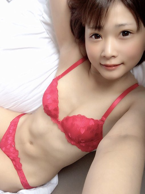 AV女優山井すずのTwitter自撮りエロ画像3