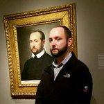 なぜ美術館に自分の肖像画が!そっくりさん画像が話題!