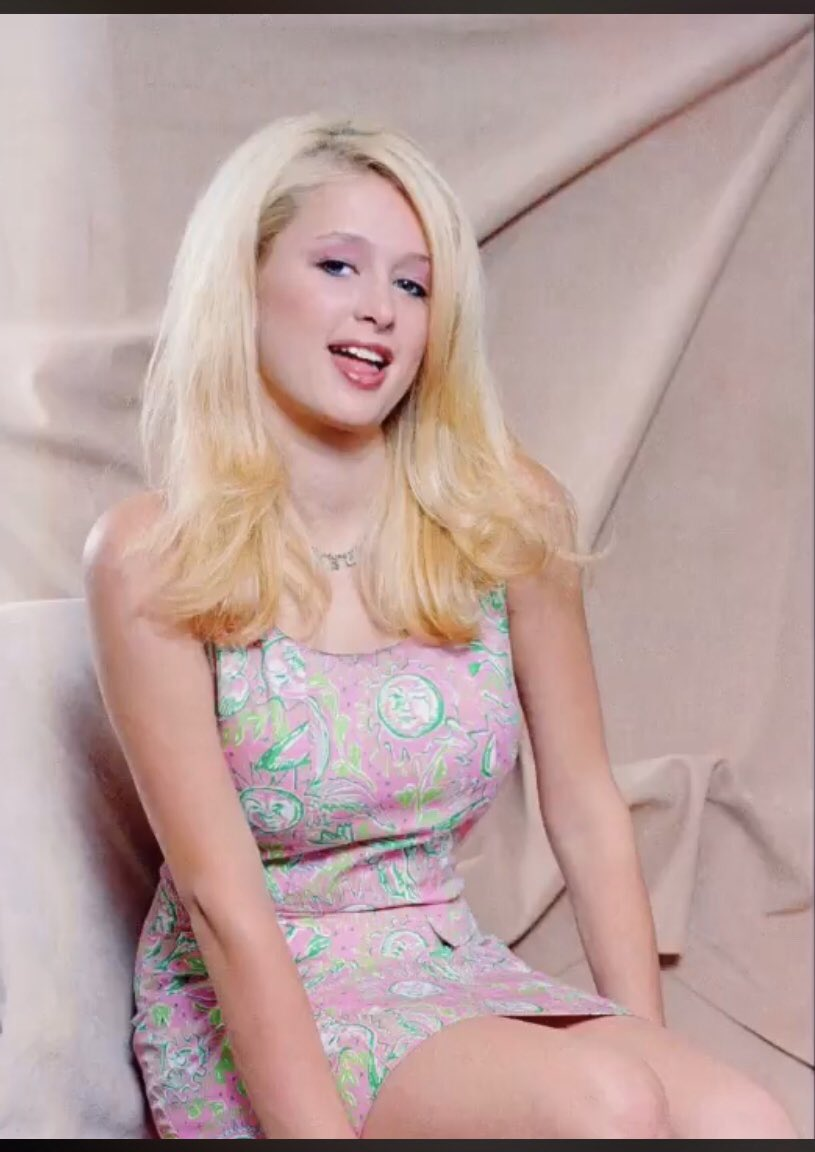 We know you're just as beautiful as when you were #TeenParis, Princess.   Like me talking to your aunt Francesca Hilton was like my last wink! Uuhh....haunting, lol.  Get married to your current boyfriend and have enchanting babies already, beautiful! 😘