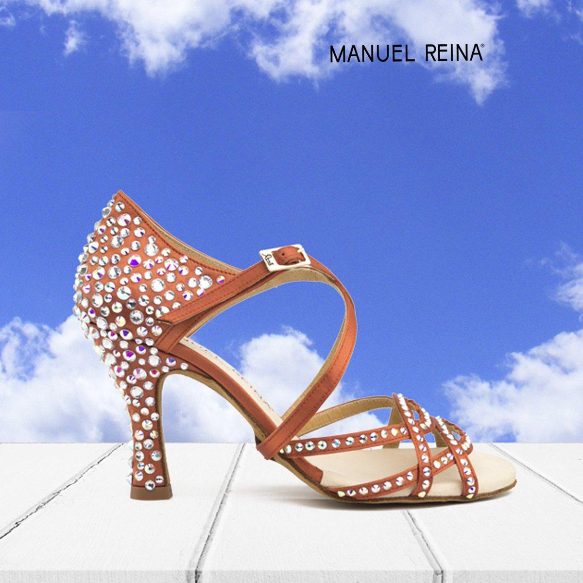 bailar con zapatos Manuel Reina es llegar a tocar las nubes   Mod:Competition 01 Copper LE   Price: 230€  Fabricados a mano  • • • #salsa #bachata #sandals #baile #pumps #danza #merengue #sandal #manuelreina #mnlrnshs #shoes #dance #barcelona #bilbao #madrid #bailarpic.twitter.com/twnLt77F6q
