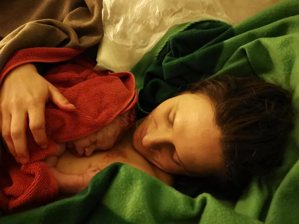#neunglücklichemonate - #HAUSGEBURT   #podcast #neunglücklichemonate #schwangerschaftspodcast #mamablogger #mamaalltag #minomodel #mommytobe #mommytobe2020 #baby2020 #schwanger #schwangerschaftpic.twitter.com/eWkG7kNQiv