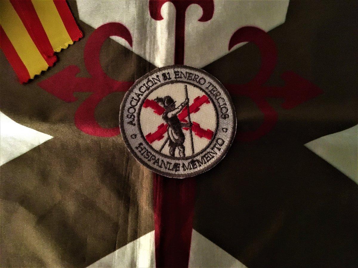 @repaci31 @31EneroTercios @BookstoreHrm @AntenaHistoria @TwitteandoHE @TerciosESP @HRMilitaris @bellumartis @elcaminoespanol @Imperio_e @MedioHombre1741 @HistoCast Muy chula la bandera que habéis puesto en vuestro tuit anunciando vuestros actos. https://t.co/l4SuqWLffE Es la bandera del Tercio Viejo de Atapuerca, que estuvo presente en vuestra presentación en 2018. #31EneroTercios #DerechosDeAutor #TercioViejoDeAtapuerca https://t.co/J7KFbBtw1R