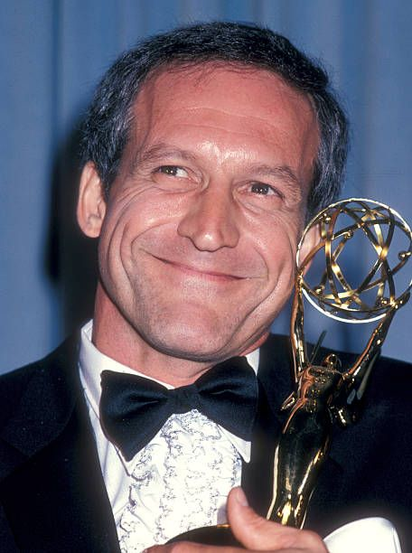 Happy March 7 Birthday wishes to DANIEL J. TRAVANTI pictured here with one of his two Primetime #Emmy trophies for #HillStreetBlues. #ClassicTVpic.twitter.com/vLzvYe4xLQ