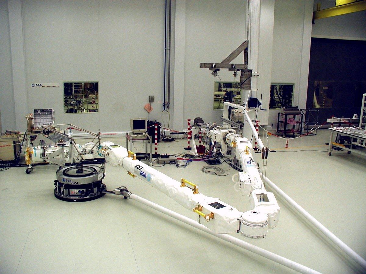Робот-манипулятор ERA