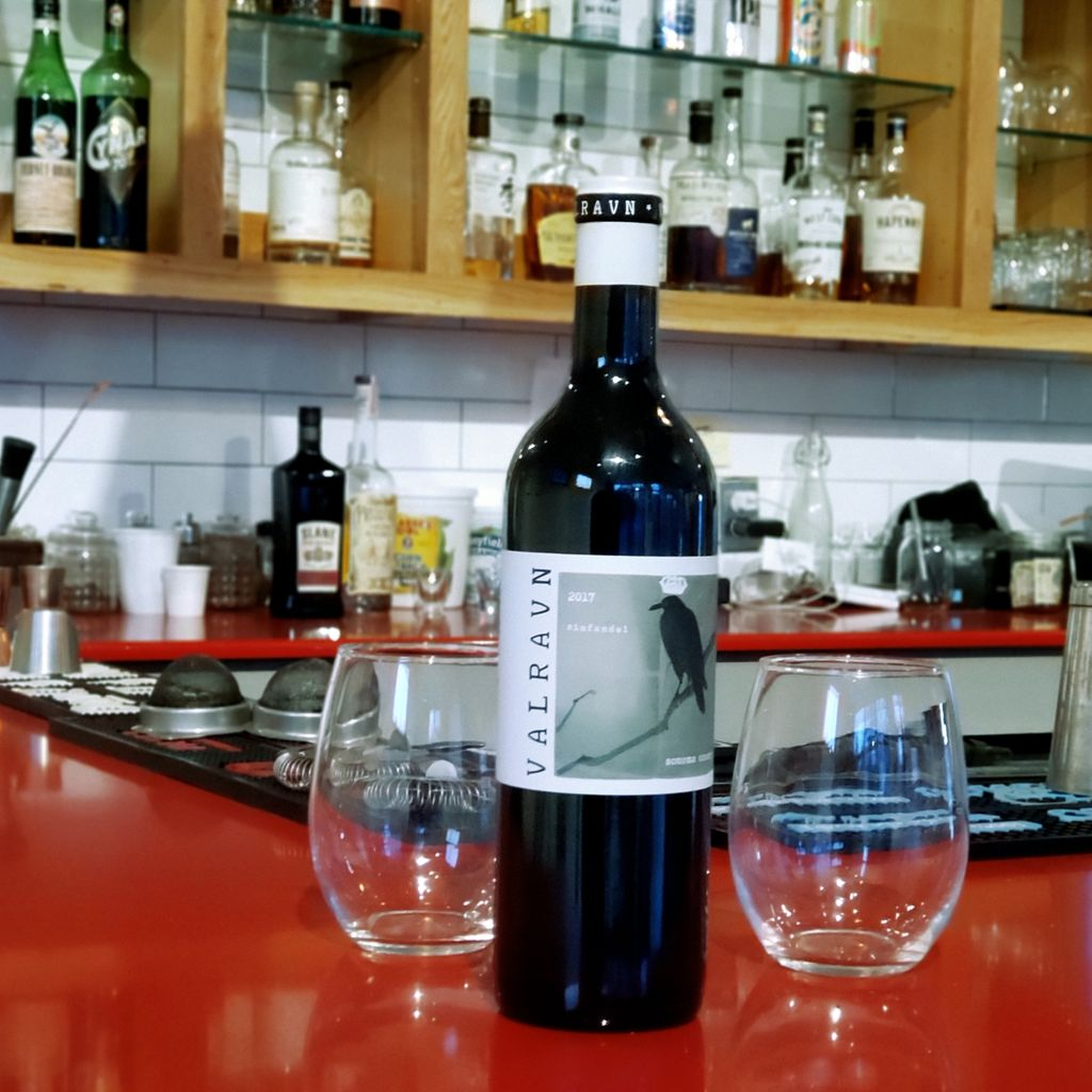 The guys on the bar tell us everyone's been going hard on this @valravnwine #zinfandel  get in here and try a glass while we have it! #redredwine #valravnwine #eatwicked #drinkwickedtoo #providence #saturdaynight #pvdnightlife #redwine #datenight #pvd #rhodeislandpic.twitter.com/jMDWey4XvX