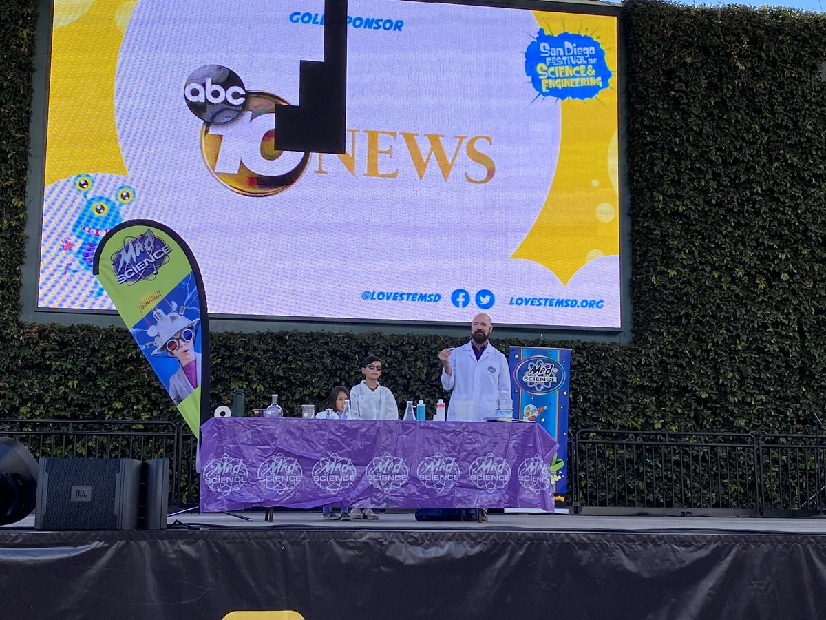 Here at #EXPODAY@PetcoPark with 27,000 students, parents and teachers from throughout San Diego County for the kick off of the fabulous 12th @BiocomCA @BiocomInstitute #FestivalofScience&Engineering presented by @Illumina Foundation! https://t.co/OsYzyOIiwY