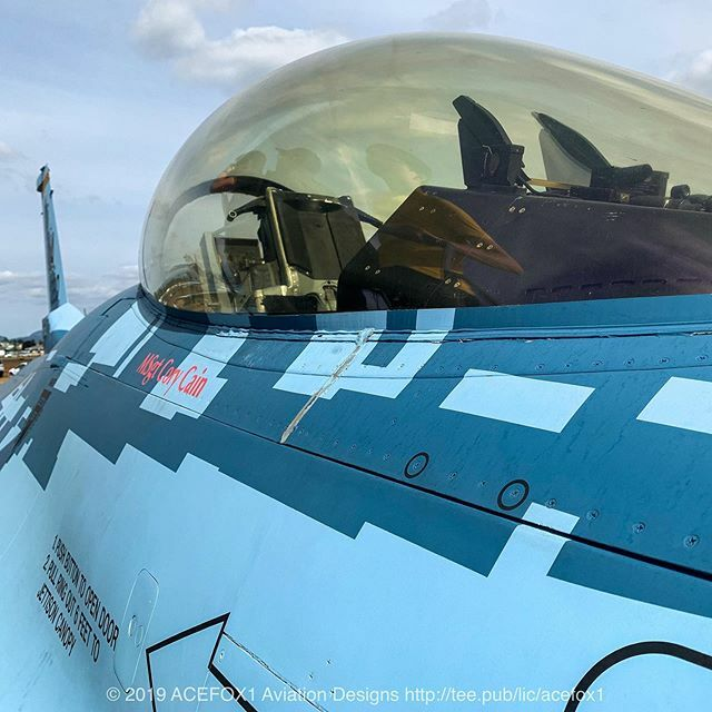 """Up close & personal with the famous #Aggressor #F16 """"Ghost"""" on display at the #abbotsfordinternationalairshow 2019. #64thaggressorsquadron #usairforce @57th_wing_commander #ghostviper #f16viper #f16pilot #lockheedmartinf16 #fighterpilots #airshowphotogra… https://ift.tt/2vMNxttpic.twitter.com/ngKbshSJZh"""