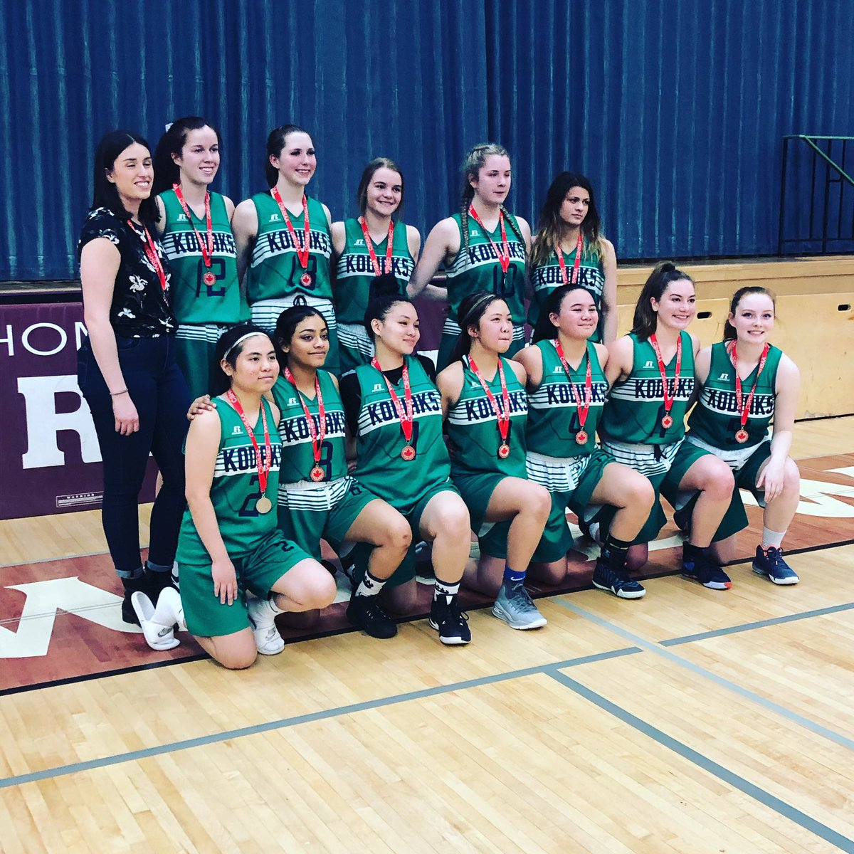 Silver for these gals today! Great season @StMartin_CCSD #ballislife#lovetowatchherplay #seniorgirls pic.twitter.com/L0Y2mKz5C9