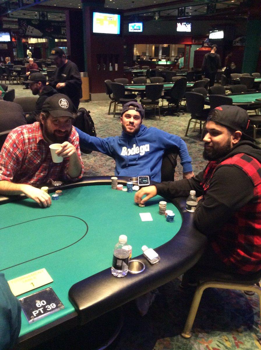 Foxwood casino poker room horseshoe casino bossier city la buffet
