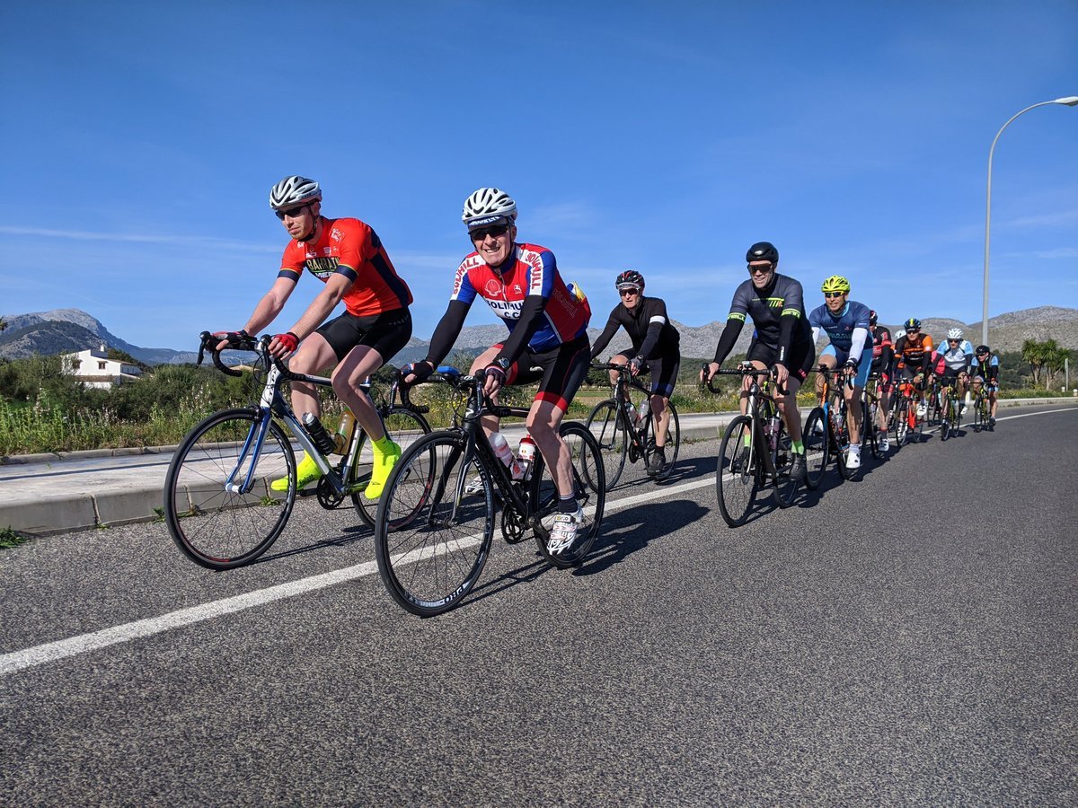 Rolling out to Sant Salvador under clear blue skies #cycling #mallorca #mallorcacycling #stuarthallcyclingholidays #cyclingholidayspic.twitter.com/e6l1kCTTz7