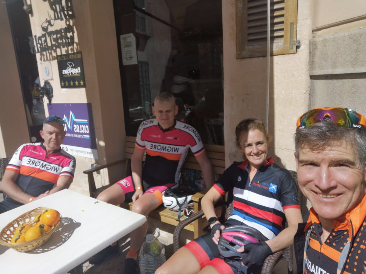 One of our favourite stops Porreres #cycling #mallorca #mallorcacycling #stuarthallcyclingholidays #cyclingholidayspic.twitter.com/kHJbWqqGsx