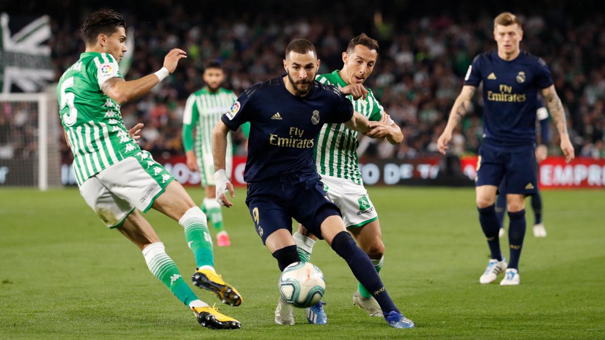ريال مدريد يتعرض لخسارة مذلة امام بيتيس ويفرط في صدارة الليجا لحساب برشلونة