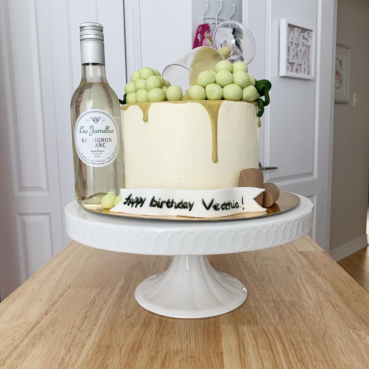 Prime Sabrina Degni On Twitter White Wine Birthday Bakesbysab Funny Birthday Cards Online Ioscodamsfinfo
