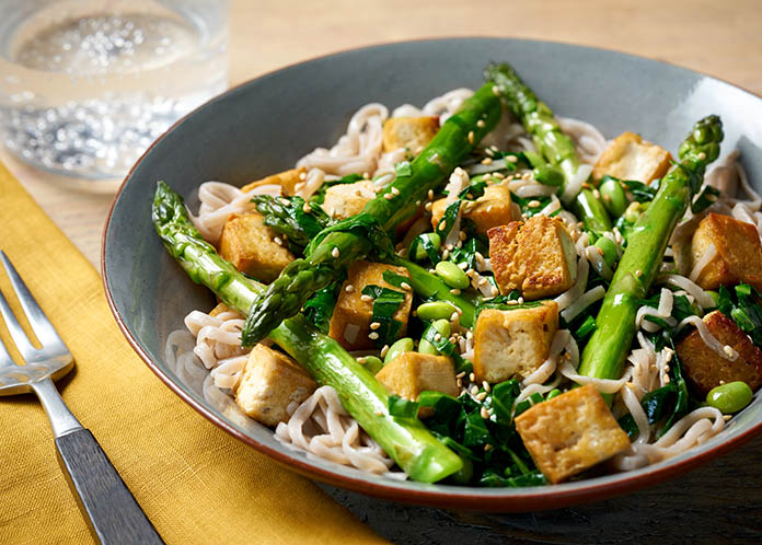 #Recipe - So yummy. Just bursting with flavour and spring greens. This delicious dish is perfect for a family meal and takes just 20 minutes https://t.co/lLlP4tq2k7 #food #foodie https://t.co/2S1Z0KVdx5