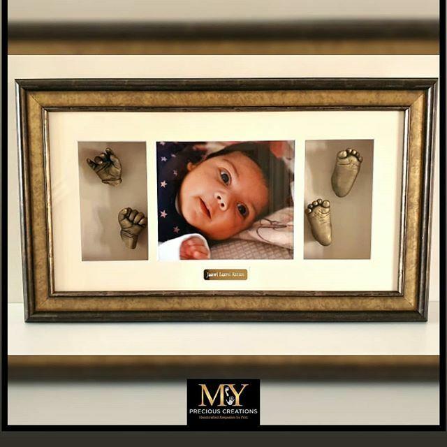 Beautiful bespoke piece for first time parents #mypreciouscreations #3dcasting #handandfeet #newborn #newbornbaby #Wolverhampton #firsttimeparents #handcasting #feetcasting #lichfield #bespoke #giftideas #giftvoucher #capture #creatingmemories #babygirl #2weeksoldpic.twitter.com/X7YhdqzYJM