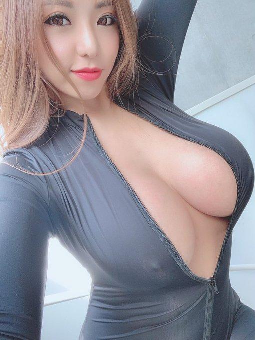AV女優さくら悠のTwitter自撮りエロ画像1