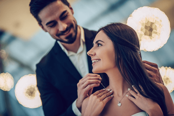 5 Jewel Accessories to Delight your Wife on your Next Special Occasion #ArtificialJewelryOnline #EarringsOnline #JhumkaEarrings https://www.fashioncrab.com/blog/5-jewel-accessories-to-delight-your-wife-on-your-next-special-occasion/…pic.twitter.com/ZYxq5rNhR7