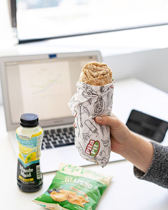 Looking for a healthy grab n' go option for your work lunch? Pita Pit has you covered.  #RefuseToSettle #PitaPitCanada #creationnation #pitapituc #winnipeg #manitobapic.twitter.com/uTH6UM10ZN