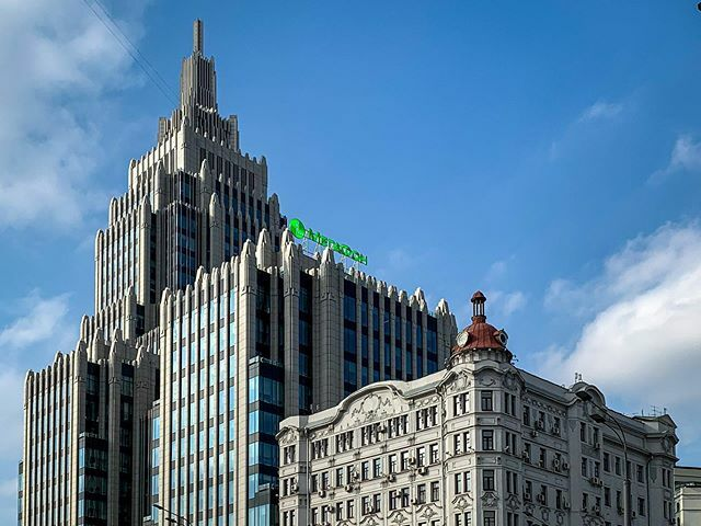 New vs Old Architecture 69/366 . . . . . . . . #Moscow #Building #Architecture #skyscraper #Urban ##urbanphotography #sky #buildings #architecturephotography #bluesky #spring #city #citylife #365 #365days #365project #Москва #Здание #Архитектура #Высотка… https://ift.tt/2Q2LDM6 pic.twitter.com/tkbMBOeWAI