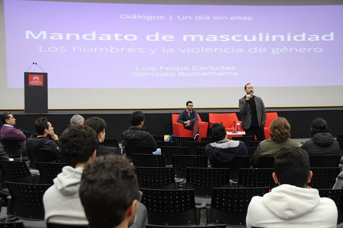 #MIRADAQUEDIALOGA Alumnos y profesores de la #IBERO reflexionan sobre la #masculinidad y la #violenciadegénero https://t.co/8MepqyEDD4  Como parte de los  de los 'Diálogos 9 M. Un día sin ellas' https://t.co/r9UJvMgos8