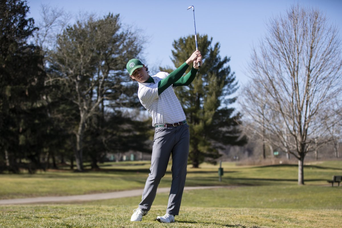 Junior Zach Crawford is tied for fourth place following two rounds of The Challenge at Concession!  📰 Day One Recap ➡️ https://t.co/ENIAQ5DxjQ  #BleedGreen https://t.co/MAGcDgmodx