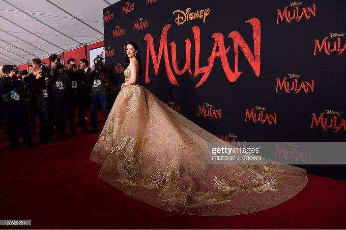 Mulan premier LA EStf216UUAY97ax?format=jpg&name=small