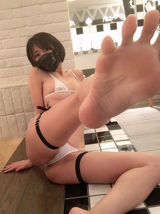 グラビアアイドル美東澪のTwitter自撮りエロ画像18