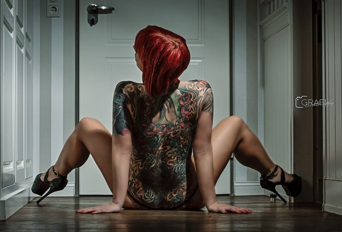 Good morning 💋! Neues Video online auf https://t.co/nMRhVsp4Qx #ink #tattoo #jolynejoy #redhair #germany