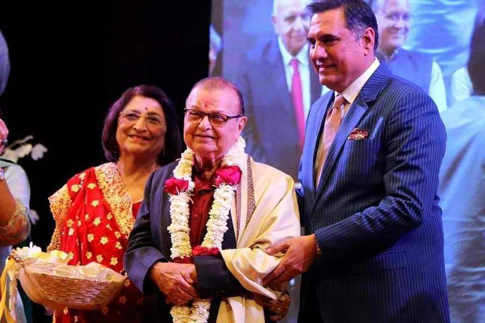 Veteran Parsi theater actor Yezdi Karajnia felicitated in Surat