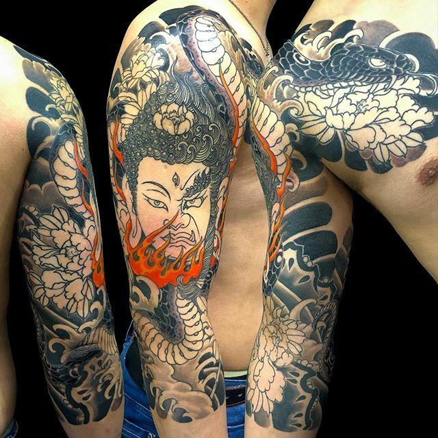 #如来 #明王 #nyorai #myoo #蛇 #牡丹 #snake #peony . . . #tattoo #reikotattoo #studiokeen #japan #nagoyatattoo #irezumi #タトゥー #刺青 #名古屋 #大須 #矢場町 https://t.co/1CwF3bBS3b https://t.co/SB5EKxv7Oc