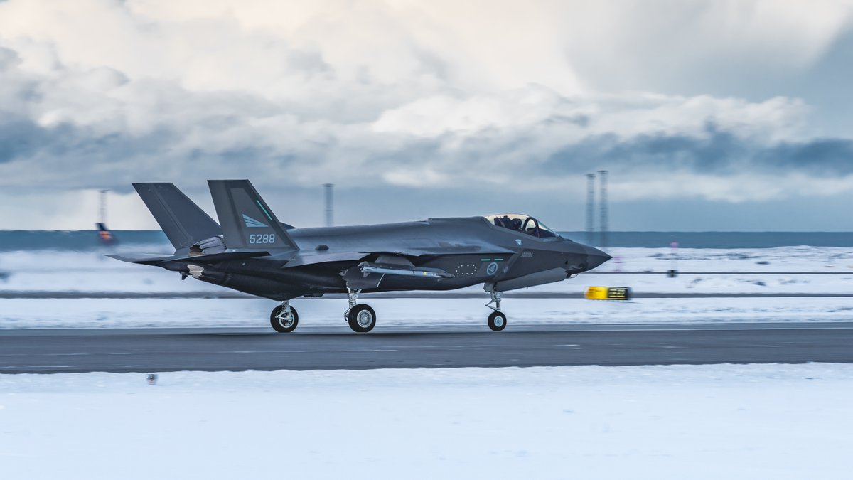 🇳🇴 #Norway sent four ⚡️F-35 Lightning II fighters to Keflavík, 🇮🇸 #Iceland as part of NATO's air policing mission.  📸 Stunning photographs on our #flickr account 👇   https://flic.kr/s/aHsmLSPXEy