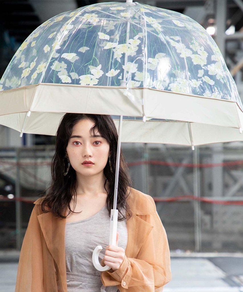 "《 2020 SPRING_SUMMER 》 ""No matter what the weather, I'm always me.""Model: @mtmtk27  Umbrella: PLV-04 FLOWER UMBRELLA PLASTIC GREEN ¥2300+税 ""#椎名美月 #モデル #wpc #wpc傘 #2020SS pic.twitter.com/9yJJQqPuCe"