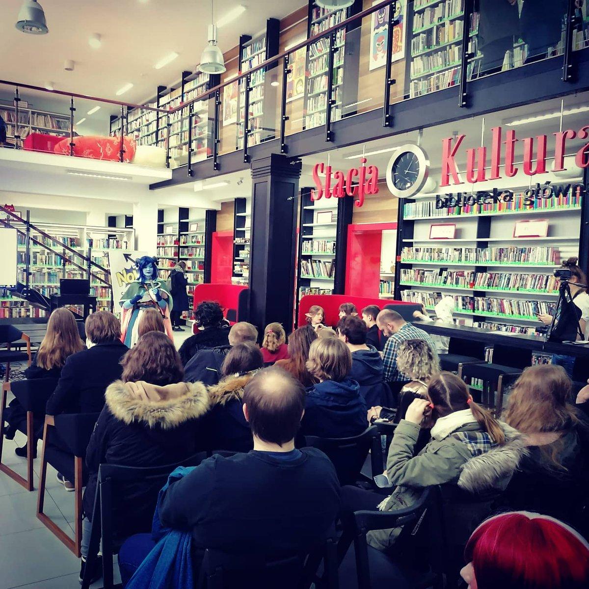 #RumiaComicCon! Były spotkania z twórcami  i prelekcje, #rysograf.y, #komiksy, #grybezpradu (#hexmine, #heroclix), #warsztaty, #retrogry (i stare #komputery!)... Byliście?  #RafałSzłapa #JacekMasłowski #risograph #stacjakultura #rumia #tabletopgame #graplanszowa #nerdzeniepic.twitter.com/MDjrOYvO3L